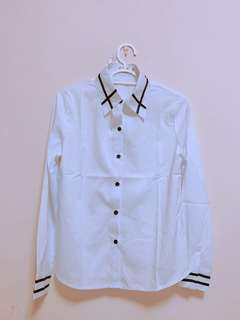 White blouse / top / office wear / Long sleeve with collar