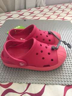 AUTH CROCS BUMP IT CLOG RASPBERRY C12