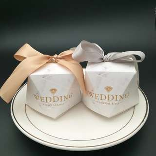 (Pre-order) 50 pieces Marbled Wedding favours/boxes/packaging