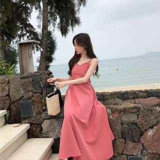 海邊度假顯瘦小心機露背綁帶長裙