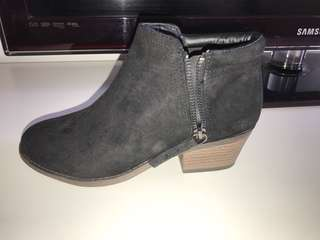 Ankle cut boots size 7