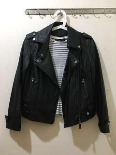 黑色修身短版皮衣皮䄛 Black Leather Jacket