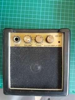 Tiny Guitar Amplifier (9V Battery)