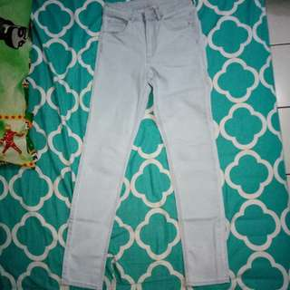 JUAL RUGI! BOLEH NEGO! H&m Light Blue Highwaist Jeans / Hm High Waist Jeans / Jeans H&m Highwaist / Stretch Highwaist Jeans H&m / Hw Jeans Hnm / Light Blue Jeans Size S (27)