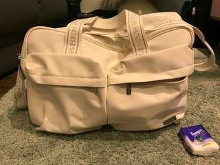 Burberry 保齡球袋