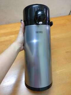 Thermos pump pot
