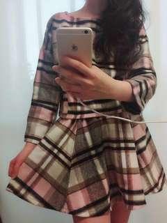 🚚 寬版格紋兩件式洋裝