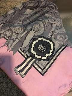 Gucci silk pink scarf