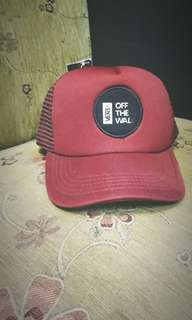 Topi OFF THE WALL