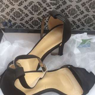 "Parisian suede sandals 3"""