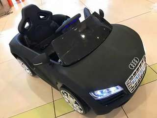Available now baby car oudi 1-5y/0.
