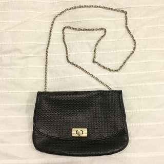 Cross Body Shoulder Bag Clutch in Black