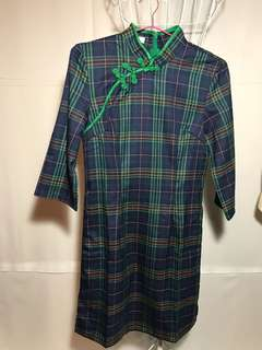 🚚 復古懷舊風格洋裝全新前扣是造型後有拉鍊