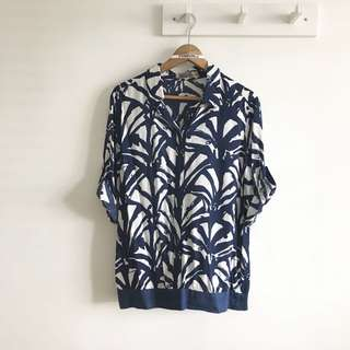 BN Oversized Size L (fits L~XL) Geb Navy and White Printed Collar Shirt Blouse Top @sunwalker