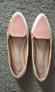 Sepatu flat flower peach