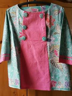 Reprice top Batik Nona Rara Never been used