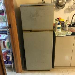 雪櫃 damage refrigerator