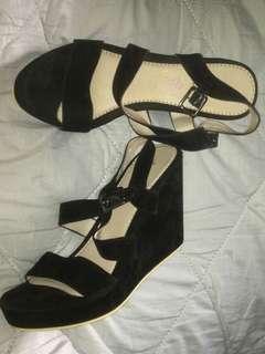 High heels Hitam Details