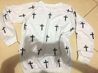 sweater motif cross