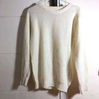 Sweater Rajut Putih
