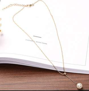 Concise Pearl Necklace