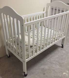 Wooden White Baby Cot