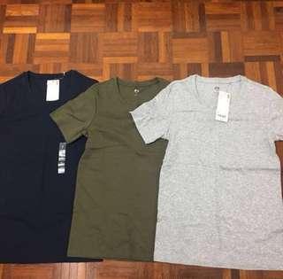 Uniqlo short sleeve cotton top