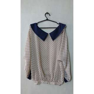 Dotted Long sleeve top with collar