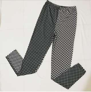 🚚 黑白幾何風格 黑白灰顏色不對稱 內搭褲