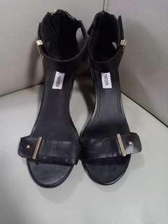 Steve madden black heel