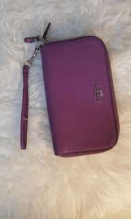 LOOKING FOR COACH WRISTLET