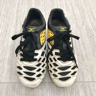 Authentic Mizuno Football/Soccer Shoes