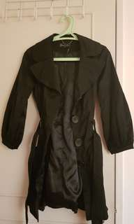 Guess black trench coat ( Size XS, well-kept)