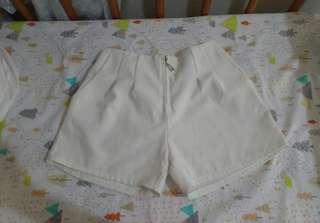 🚚 白色雪紡短褲 有口袋 金屬拉鏈