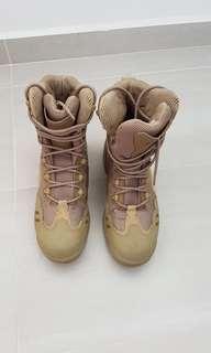 Heavy duty trekking boots