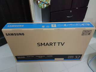 "Samsung 32"" LED SMART TV"