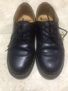 Dr.martens black shoes