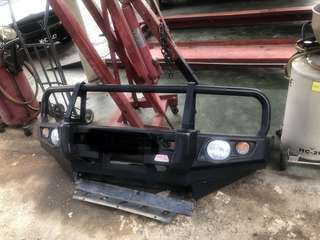 bullbar for sale hilux..mcc brand(can nego)