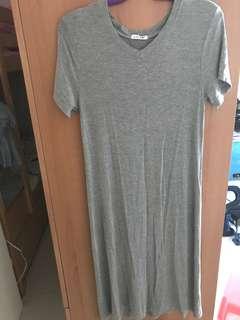 灰色短袖連身裙