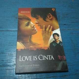 Novel Best Seller Love Is Cinta - Moammar Emka