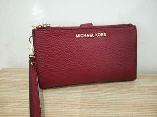 Michael Kors中夾手機包