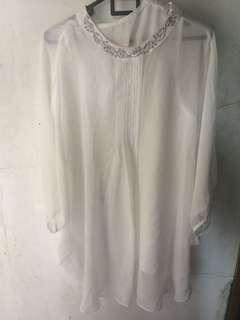 Baju lace putih