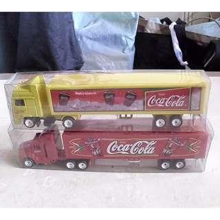 全新未用過90年代產品可口可樂塑膠品迷你貨櫃車仔兩架 (議價不覆)