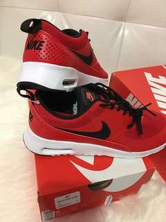 Authentic Nike Thea