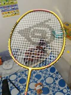 Dunlop badminton racket! Good as new used twice only!