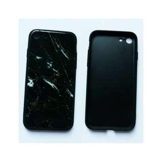 黑色玻璃手機殼。