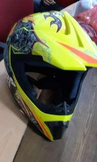 Full-faced scooter helmet