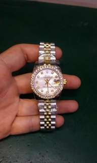 Lady watches automatic