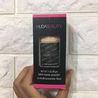 Huda Beauty mint Loose Powder