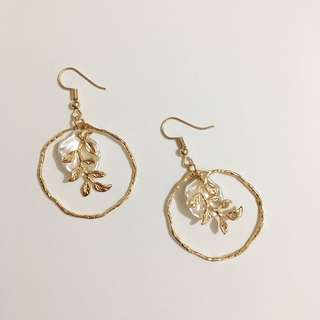 Handmade Earrings貝殻樹葉耳環(包郵)